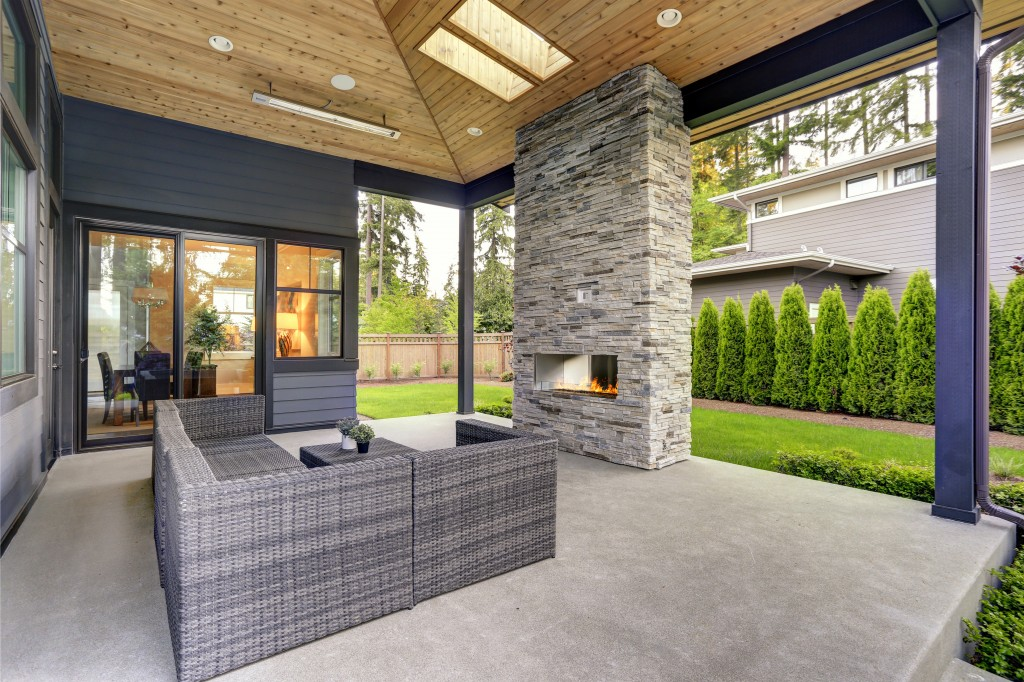 Outdoor Space with Hardscape