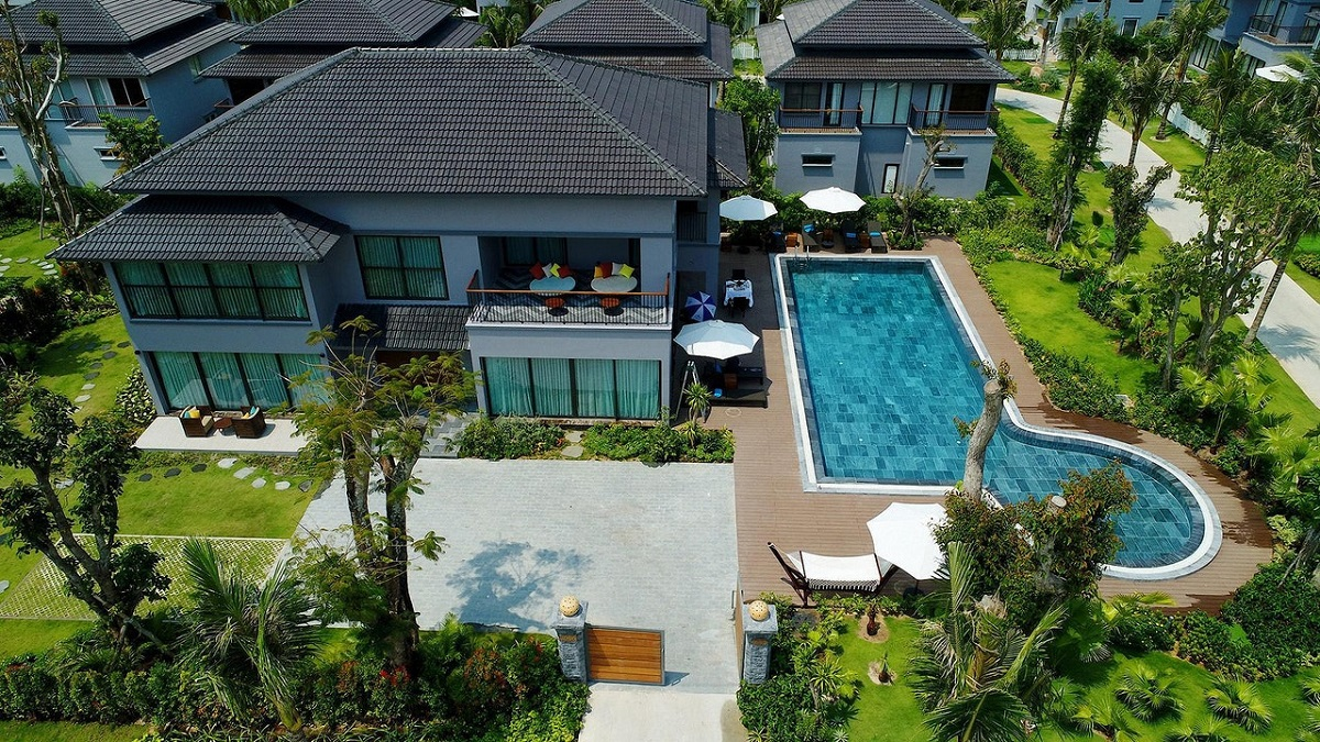 Why You Should Consider Having a Swimming Pool